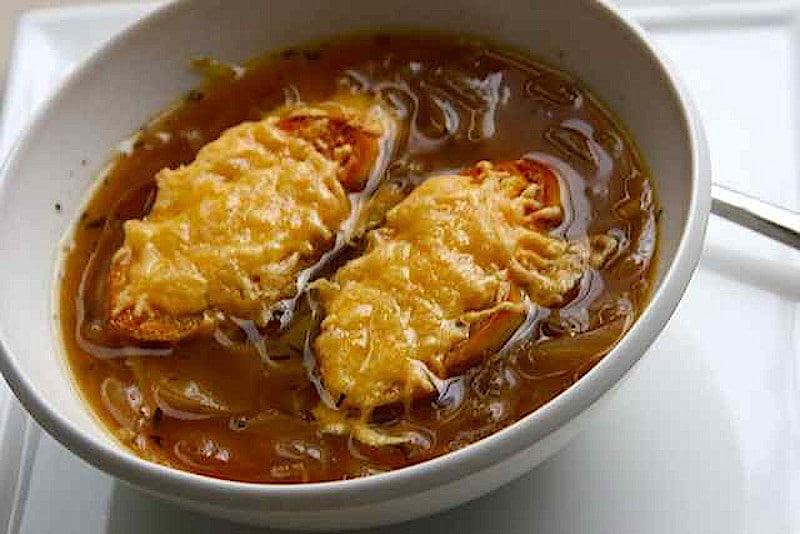 Белгийска лучена супа (Uiensoep)