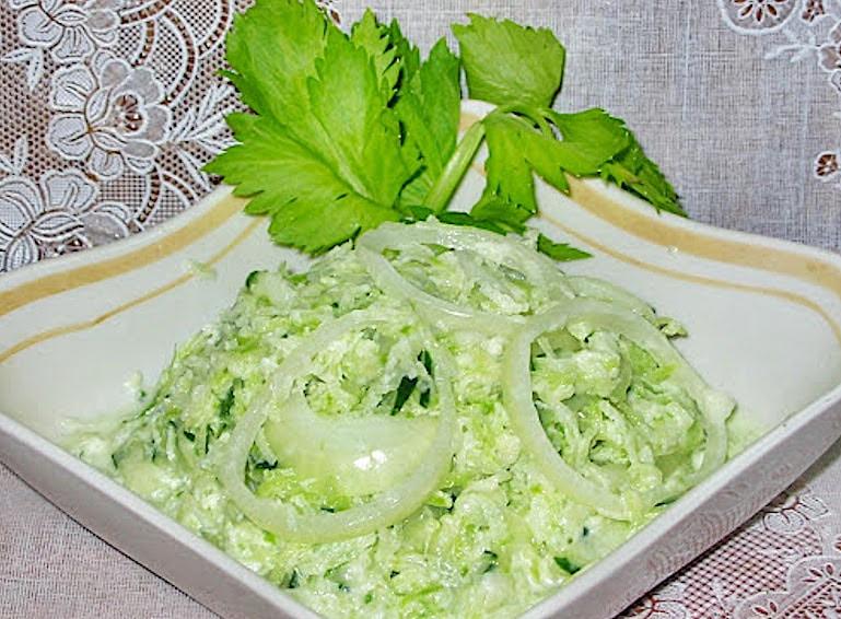 Салата от ряпа и зелена ябълка (Салат из редьки и зеленого яблока)